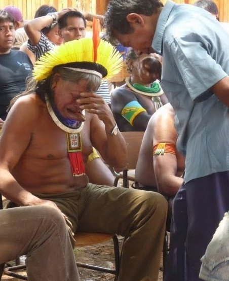 Xingu_chief_in_tears